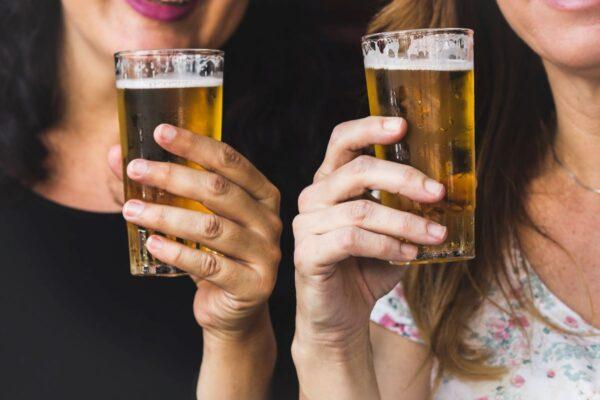 women drinking beer in st pete